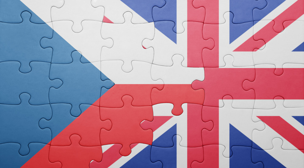puzzle with half great Britain and Czech flags msmstudy.eu