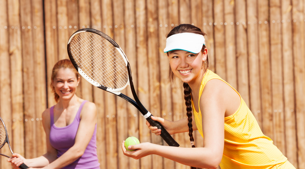 two girls going to play tennis msmstudy.eu
