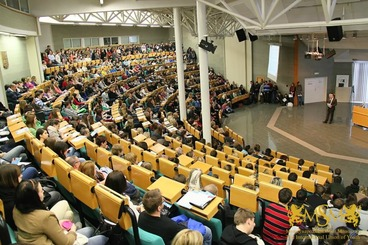 students are listening to the lecture in the auditorium msmstudy.eu
