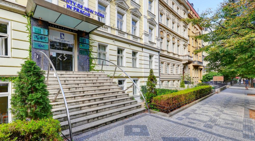 University of New York in Prague msmstudy.eu