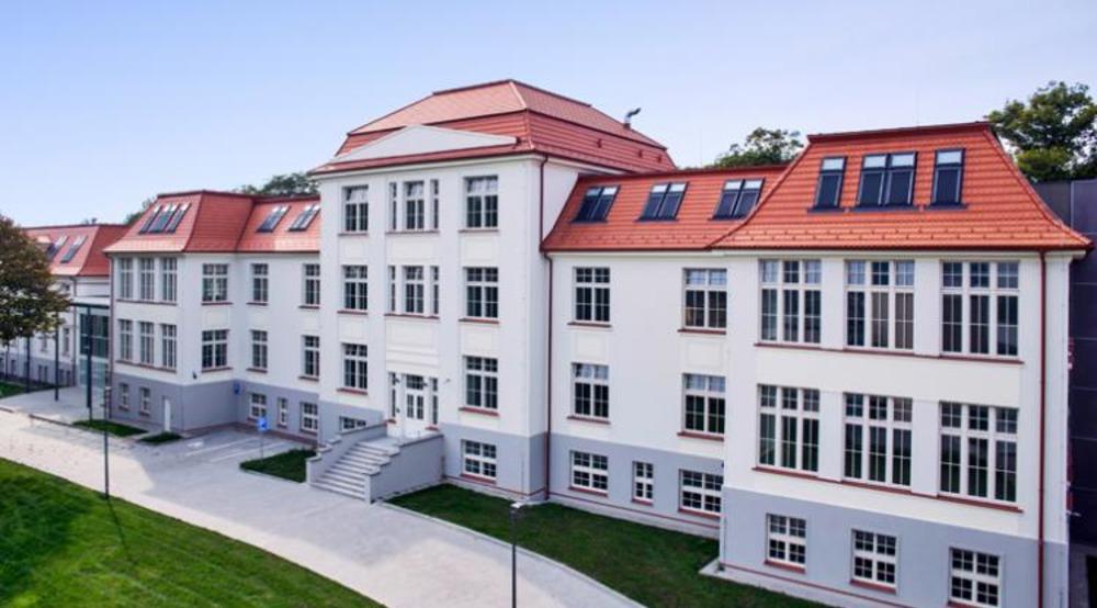 Jan Evangelista Purkyne University msmstudy.eu